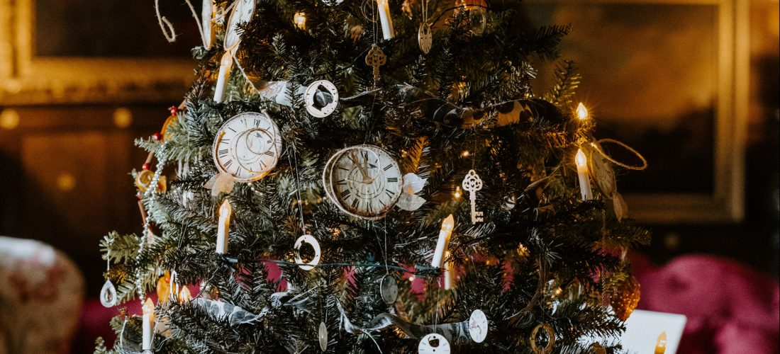 Christmas tree with clocks - Annie Spratt